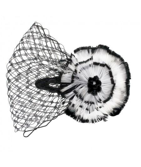 ccfv-feather-flower-trimmed-veil-on-contour-clip