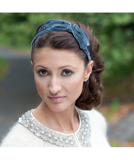 jennifer-ouellette-velvet-bow-satin-headband-Penelope-celebrity
