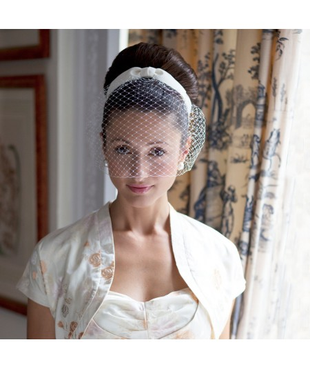 fcr4-bridal-birdcage-veil-fascinator-with-center-bow-detail
