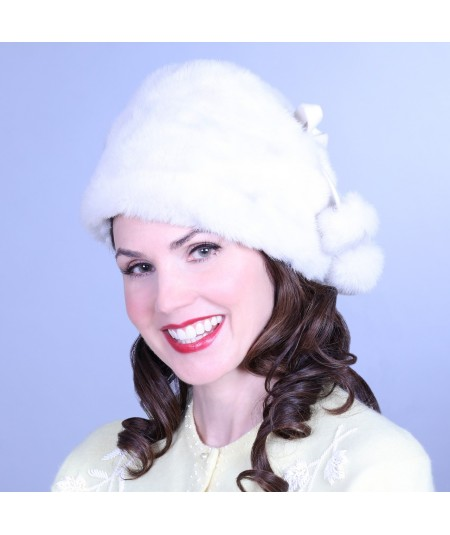 ff19b-faux-fur-toque-with-bow-and-pom-trim