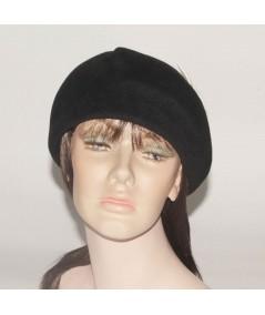 HT685 Black felt beret with off White beret vintage style